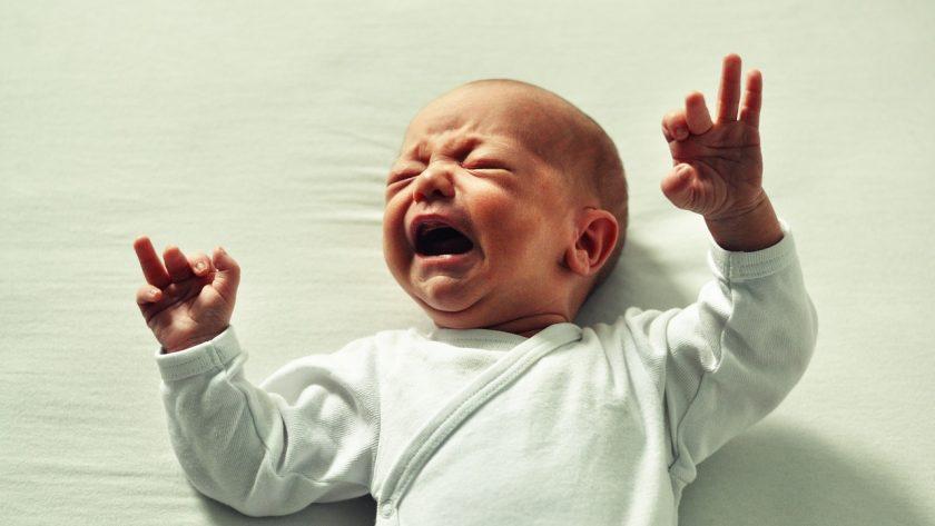 Il est stressant de voir un bébé qui pleure. Pourtant, vous pouvez le calmer grâce à ces conseils.