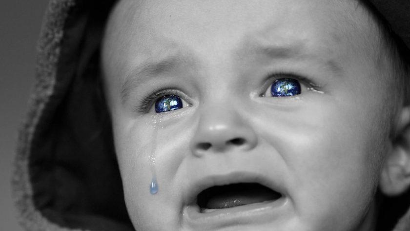 Le cerveau réagit lorsque qu'un bébé pleure.